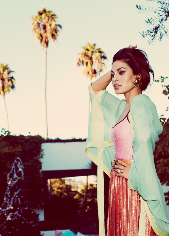Thumb-eva-mendes-featured