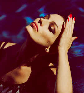 Thumb-poolside-with-jessica-pare-archive